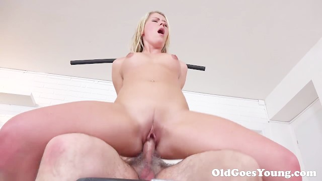 Sucking her tit Old goes young - martina loved how this old sucking her tits