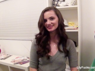 Behind the scenes with pornstar Lily Carter