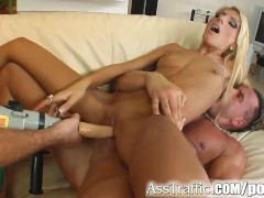 Ass Traffic Anal impalement leaves her quite stunned
