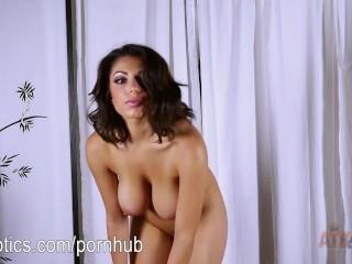 Darcie Dolce's sexy stretching routine