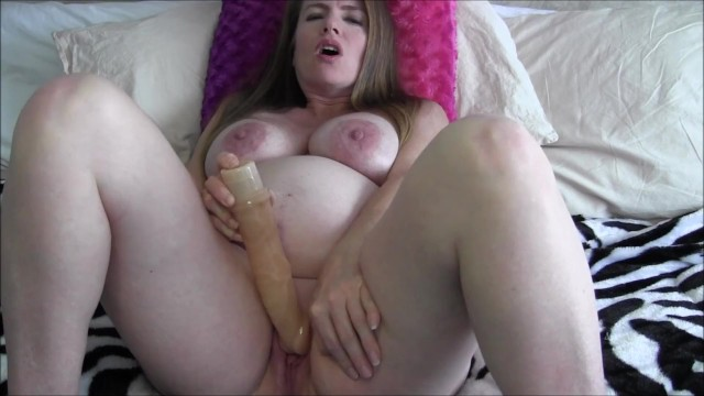 Having pregnant naked woman masturbating
