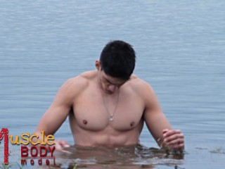 muscle body model - big abs and ass, modelo latino
