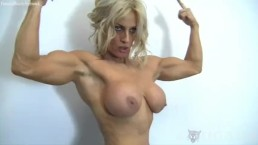 Sexy Cougar Yvonne Works Out