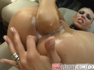 Fist Flush Backseat babe fists herself for erotic auto action