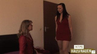 Lesbenspiele in meinem Bett  hairy hd mom milf lesbian brunette german mature european mother pussy licking natural tits girl on girl intimehausfrauen