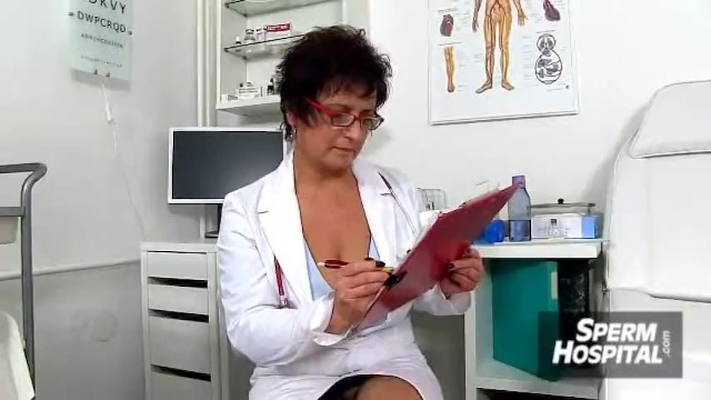 Sabrina de paula shemale tugjobs Aged lady ivona in stockings big dick boy tugjob