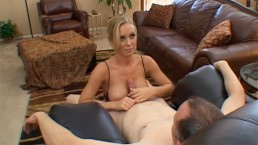 Nicole Aniston is a stunning sex goddess who gives a stunning blow job