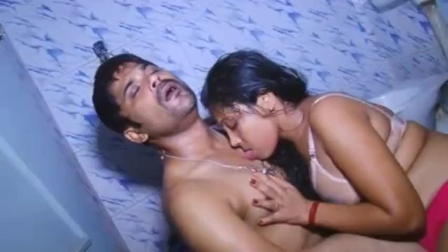 Hot And Sexy Girl Taking Bath With Boyfriend South Indian Bathroom