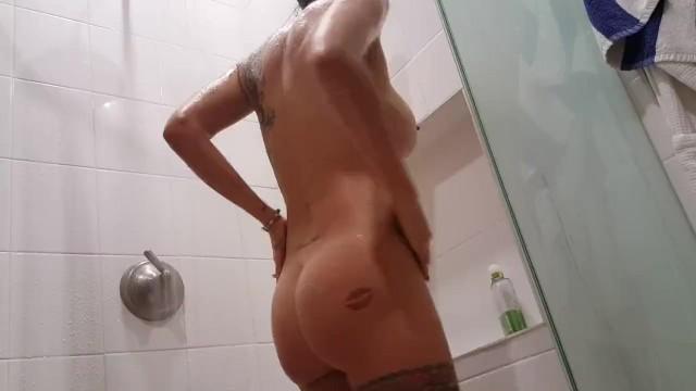 Lesbijki pod prysznicem porno