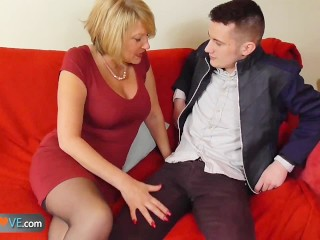 Hot clips mature seducing young — img 9