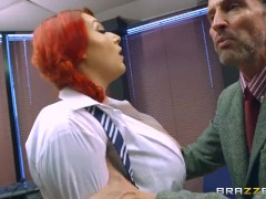 Brazzers – Curvy babe, Harmony Reigns gets pounded
