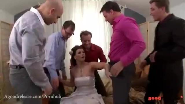 Bride wedding gangbang - Fresh marveloos bride blows all her groomsmen
