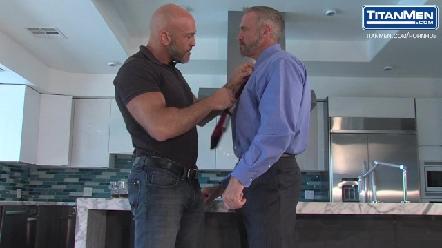 Live chat gay Coach jesse cums out to dallas on live tv