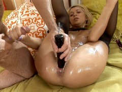 DOUBLE PENETRATION WITH GIANT DILDO!!