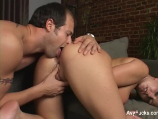 Avy Scott pays her friend a very special visit