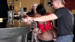 Aching For Anal: Diamond Jackson & Simone Sonay Public Threesome