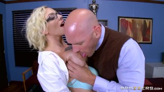 Dirty school girl Harlow Harrison - Brazzers porno