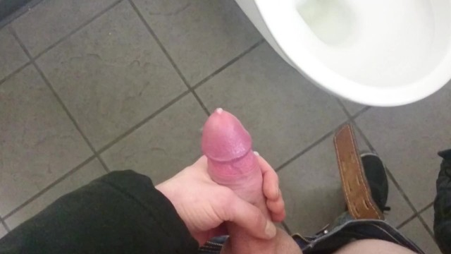наткнулась на член в туалете - 11