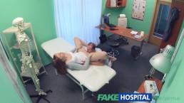 FakeHospital - Doctor spuit sexy strak kutje vol
