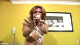 Tranny jerks off and fills her ass crack with shave cream
