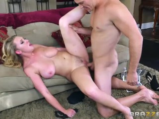 Brooke Wylde shows off her big tits – Brazzers