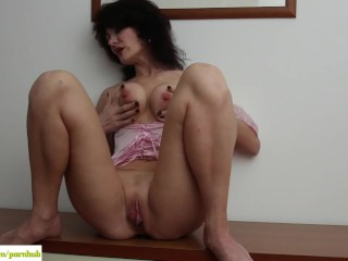 KarupsOW – Busty Older Amateur Melissa Plays With Big Pussy