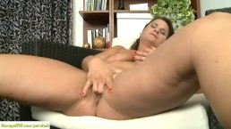 Chubby girl spearing her tight n wet pussy!