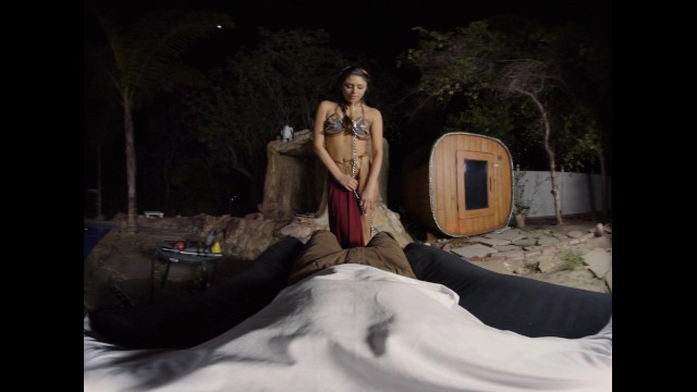 Dick vra Princess leia comes back from battle eager to please this big dick in vr