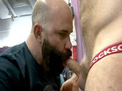 Muscle Bears Brad Kalvo and Victor West Fuck in Public