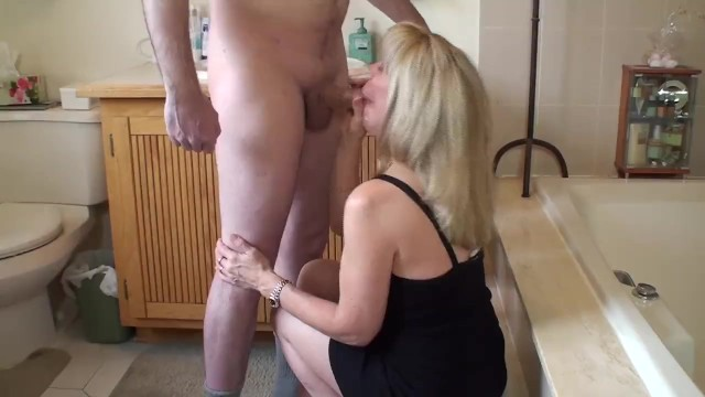 Amateur female self masturbating