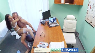 FakeHospital Doctor creampies sexy new nurse Pool czech