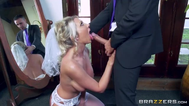 Low riding tits Lexi lowe gets one last cock before the wedding - brazzers