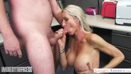 MILF Emma Starr seduces her coworker - Naughty Office - Naughty America