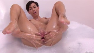 Janka - Water filling porno
