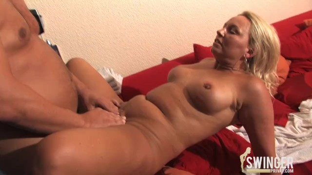 Busty mature housewives Housewives with huge tits part 2