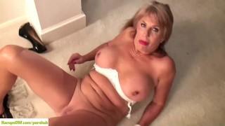 KarupsOW - Rae Hart Fingering Older Pussy Amateur bathroom