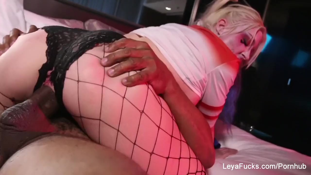 Harley quinn leya takes a big black cock in her ass 9