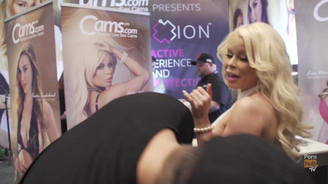 Avn awards upskirt gallery Vitaly zd at avn 2016 with nikki delano and ariana marie interviews