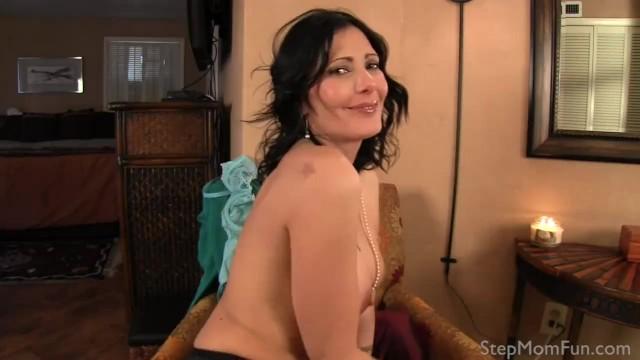 Zoey Holloway análny sex
