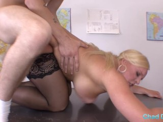 Alexis Golden makes bad boy student chad rail her out for better grades