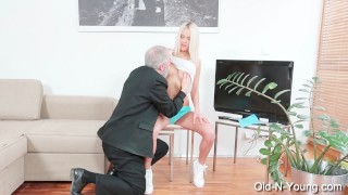 JOLEYN BURST - Old Dick Fucks Teen Ass spain
