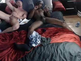 Hot amateur interracial fucking !!