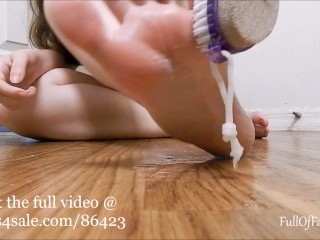 Babygirl Shows You how to scrub your feet! (teaser)