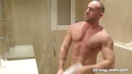 Jorge Ballantinos in the Shower
