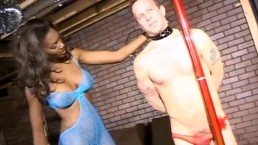 Hot stripper Nyomi Banxxx punishes a really annoying client at the club