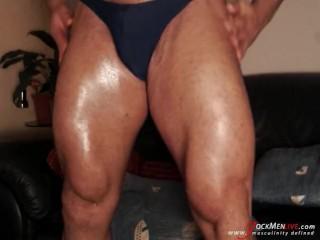 Huge, thick, manly thighs JockMenLive.com