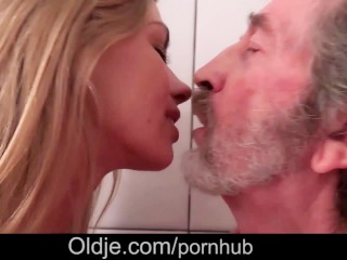 old-men-fucking-in-missionary-position-mobilepornchinese