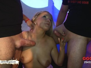 Curvy Larissa's tight Anal - German Goo Girls