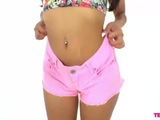 Bikini bump line razor
