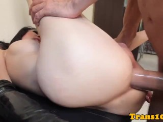 Ladyboy beauty railed by bigcock until facial